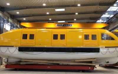 Ultra-Large Lifeboat for 460 Persons is Just 14 Meters Long